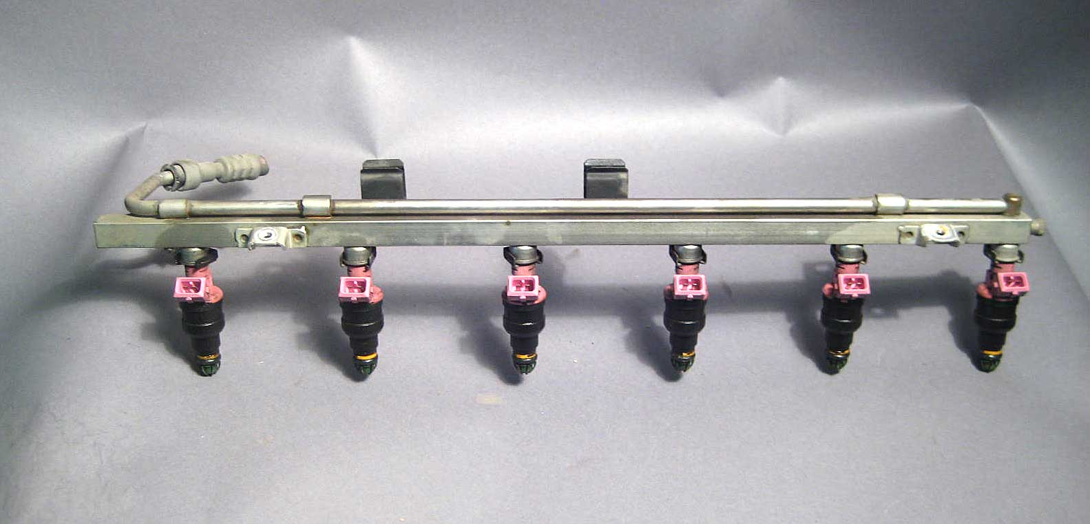 Bmw E36 M52 S52 Fuel Rail W Injectors 1996 2000 Oem Used
