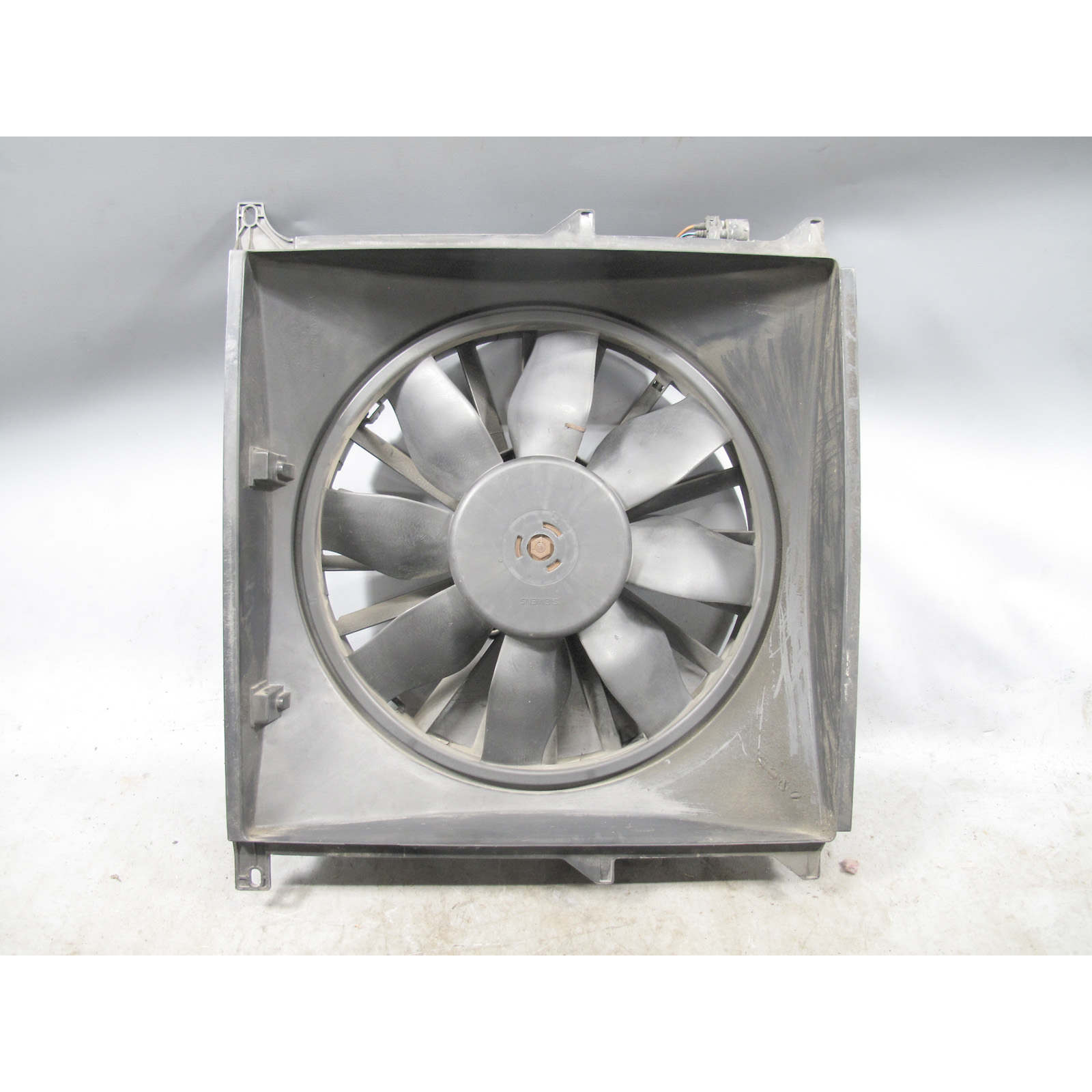 BMW E36 3 Series Z3 4cyl Electric Engine Cooling Fan 1992 1999 318i 1.9  USED OEM