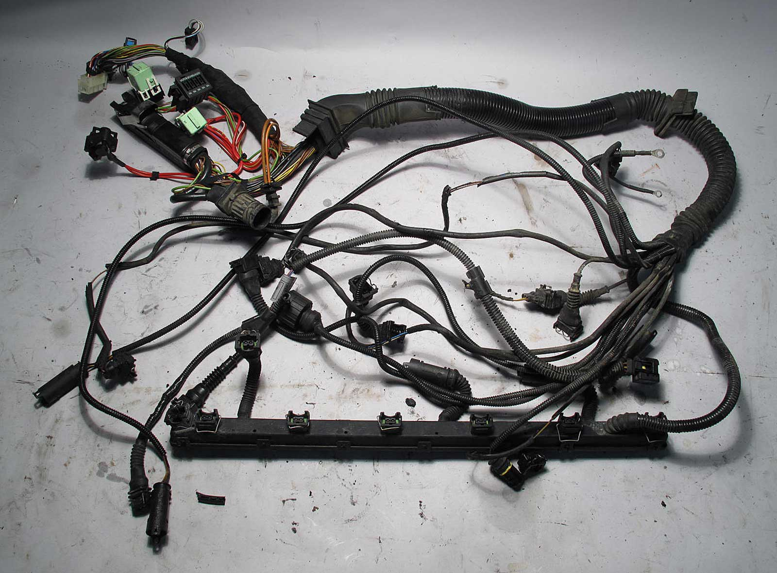 bmw e39 1998 528i 5 spd manual engine wiring harness complete m52 used oem ebay. Black Bedroom Furniture Sets. Home Design Ideas