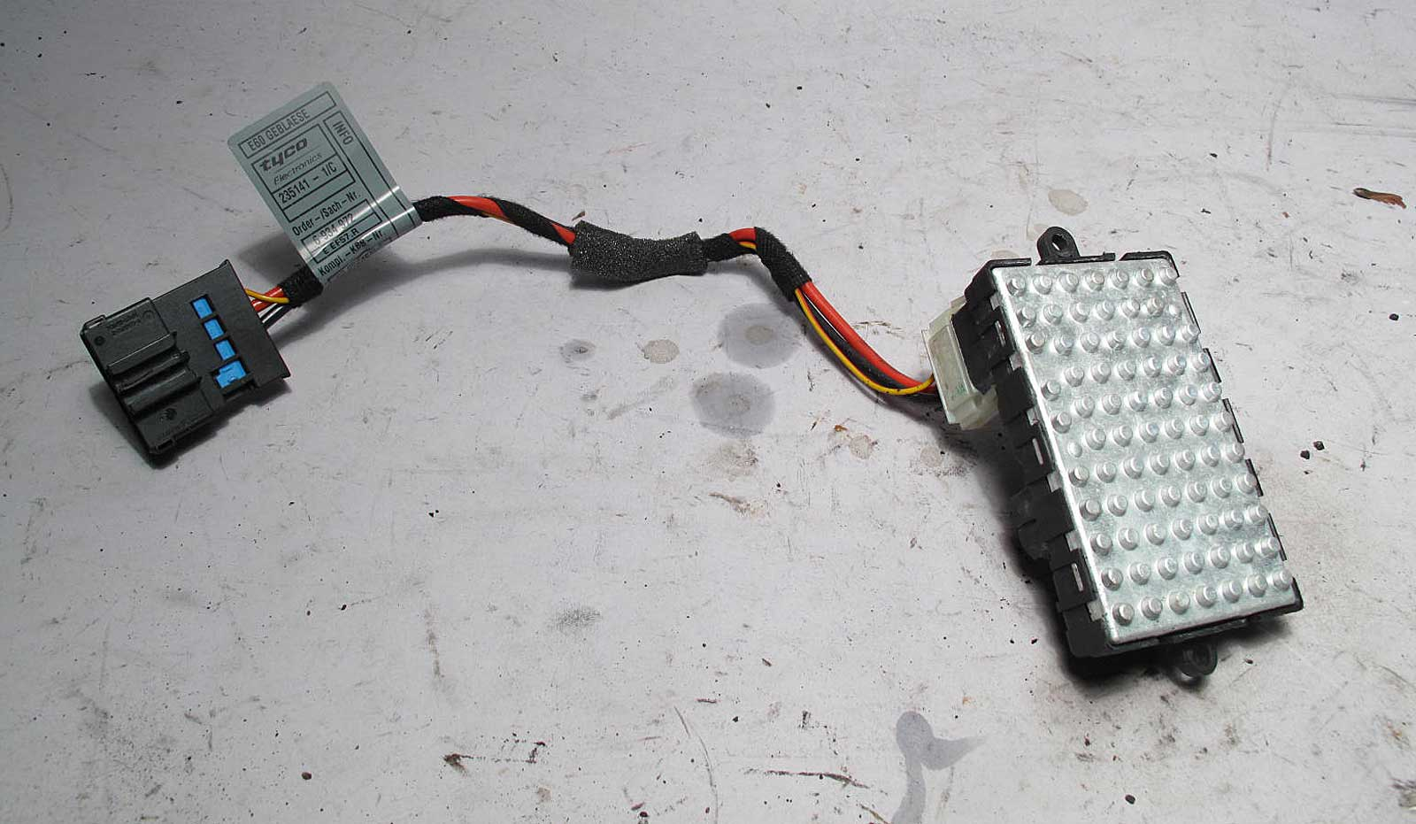 bmw e60 5 series e63 blower motor regulator resistor 2004 2010 behr used oem ebay. Black Bedroom Furniture Sets. Home Design Ideas