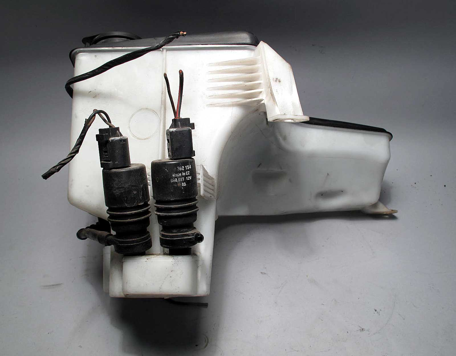 Bmw E53 X5 Sav Windshield Headlight Washer Fluid Bottle W Pumps 2000