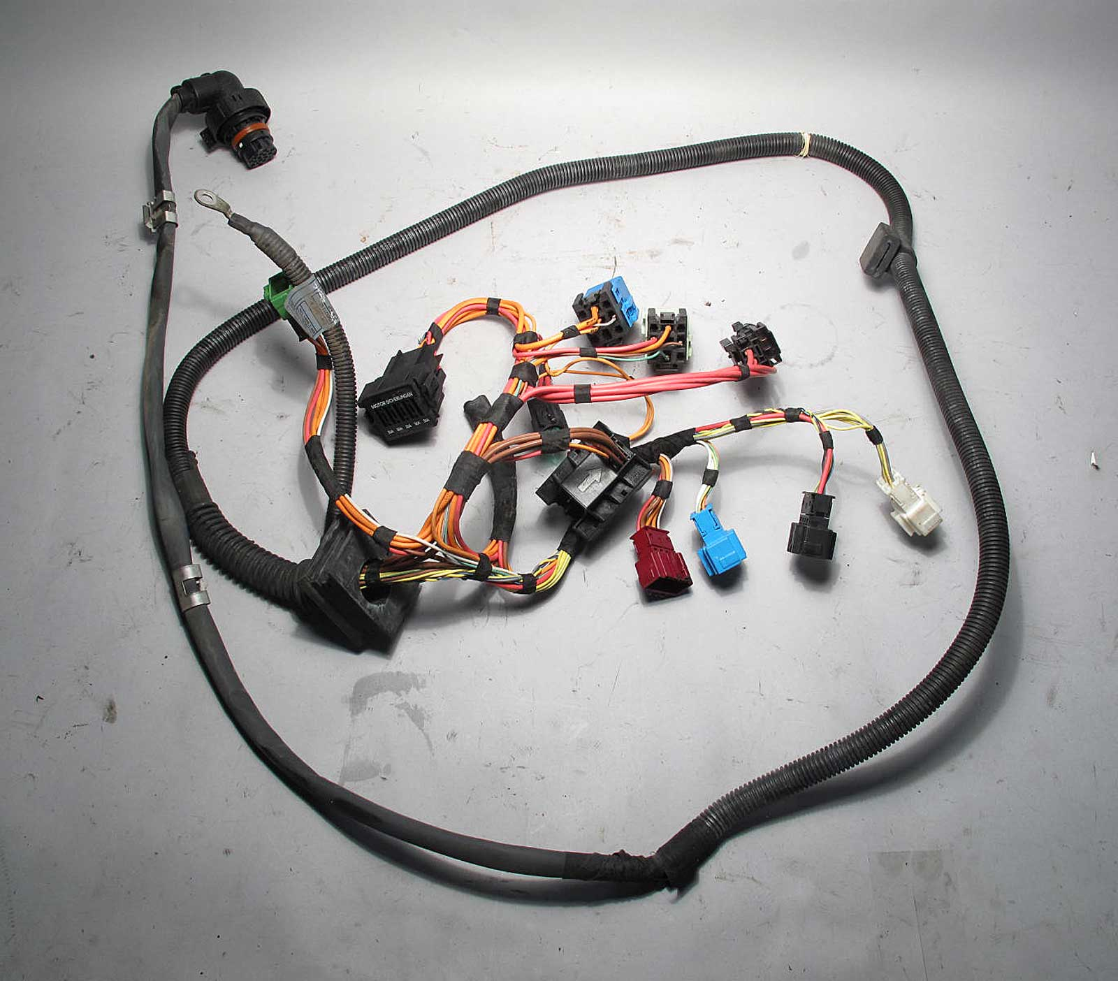 inv_008516 2006 bmw e90 n52 325 330 automatic transmission wiring harness BMW Wiring Harness Chewed Up at readyjetset.co