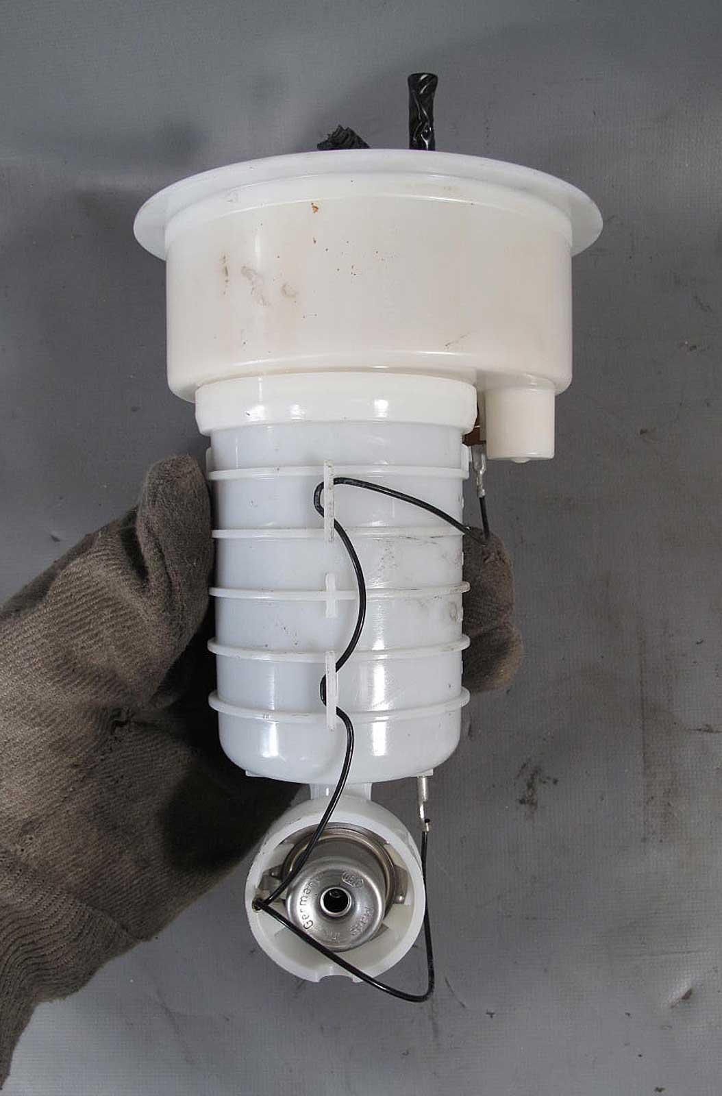Bmw E85 E86 Z4 N52 S54 Engine Fuel Pressure Regulator