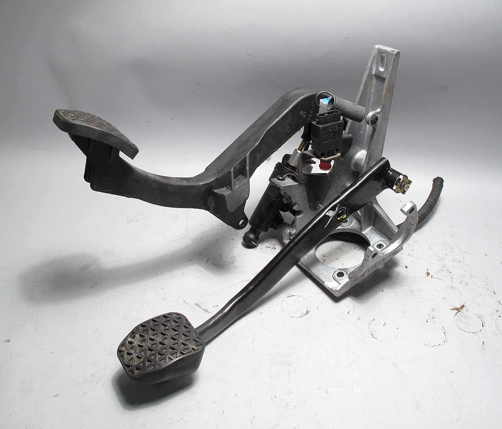 Bmw Z3 Late Model 5 Spd Manual Swap Clutch Pedal Box W