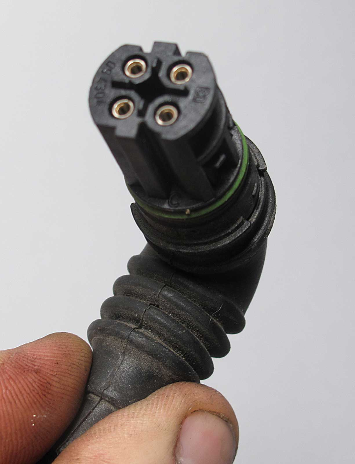 2005 Bmw 745i Engine Diagram additionally 322066748540 moreover 13627568421X5 moreover Intermotor Ignition Knock Detonation Sensor Mpn Ks252 moreover 13627568421. on 13627568421