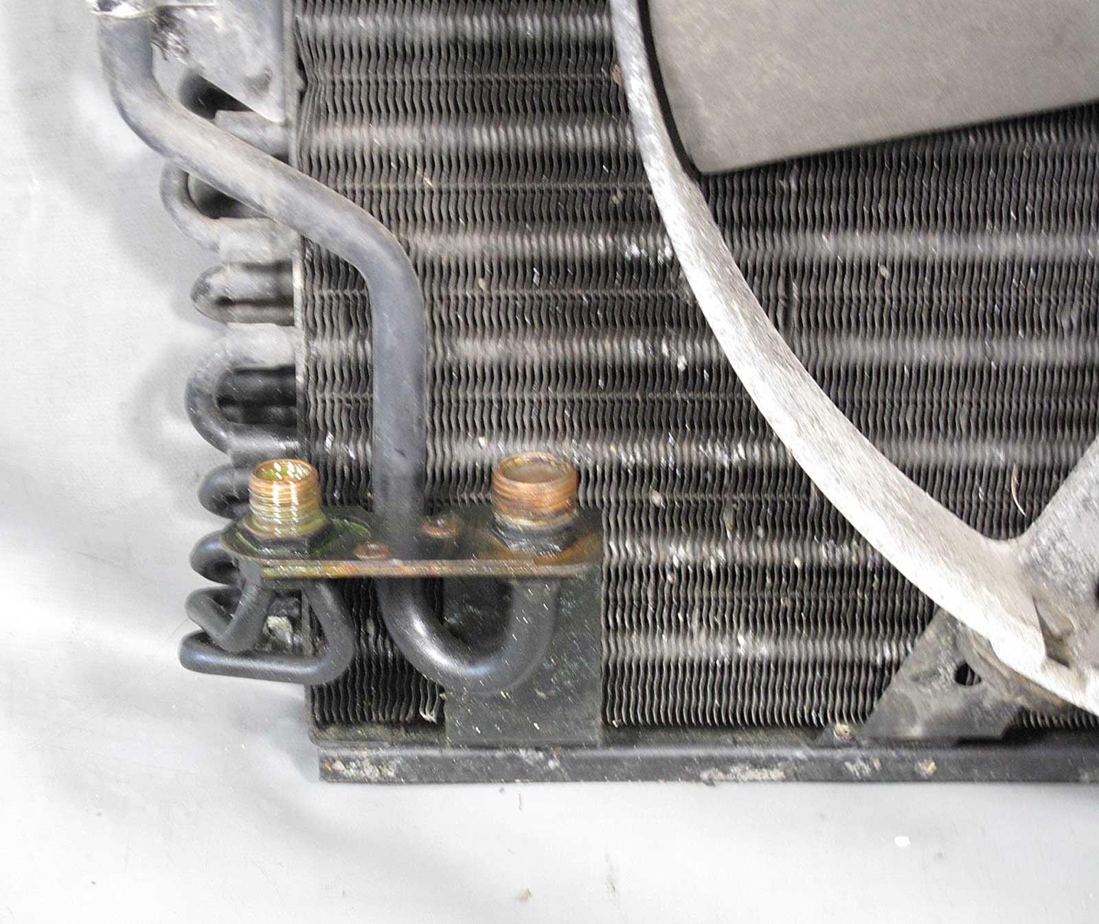 BMW E34 5-Series E32 AC Condenser Radiator w Auxiliary Electric Pusher Fan  USED