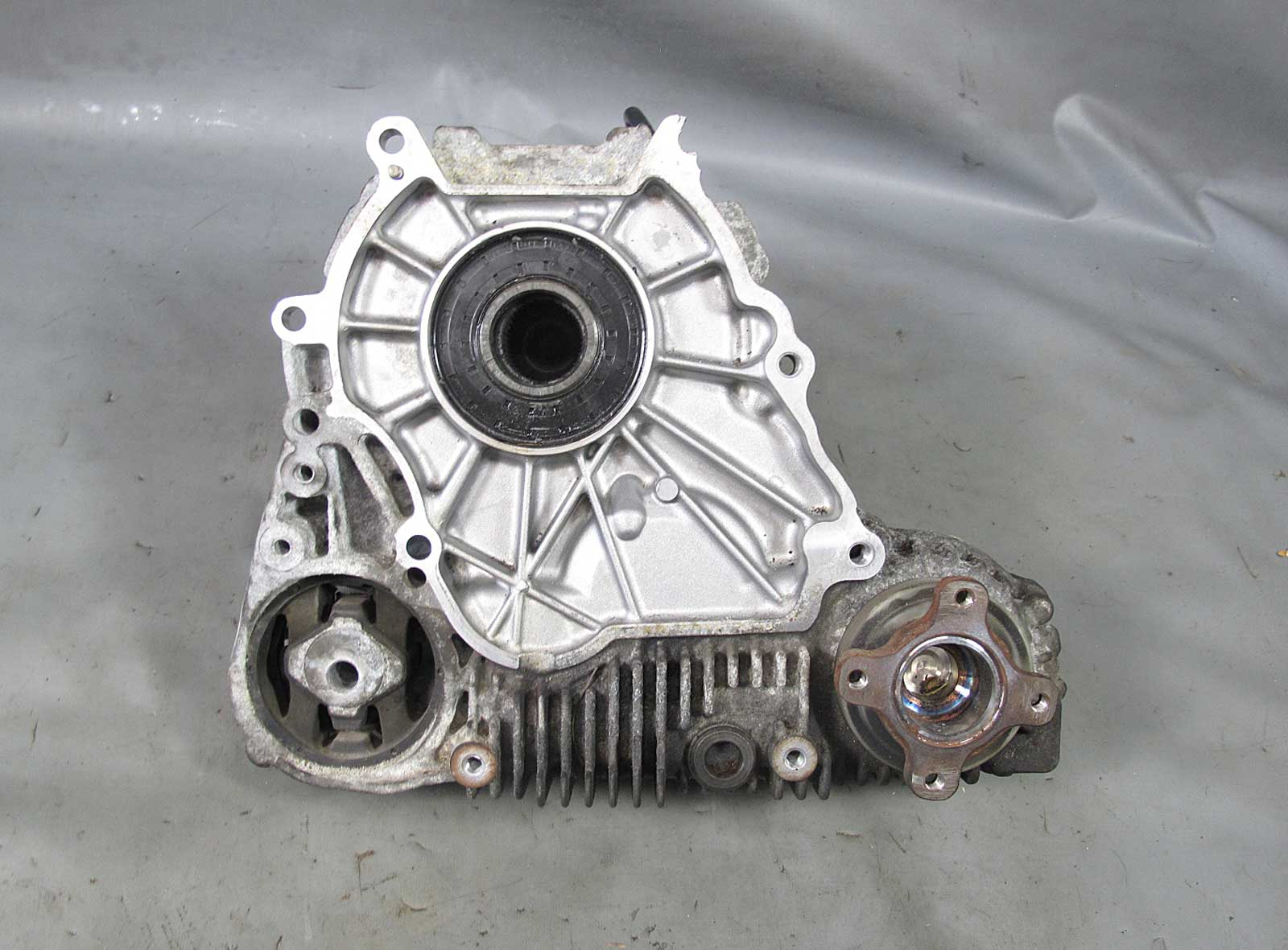 Damaged Bmw Xdrive 3 Series 5 Series Awd Transfer Case E90