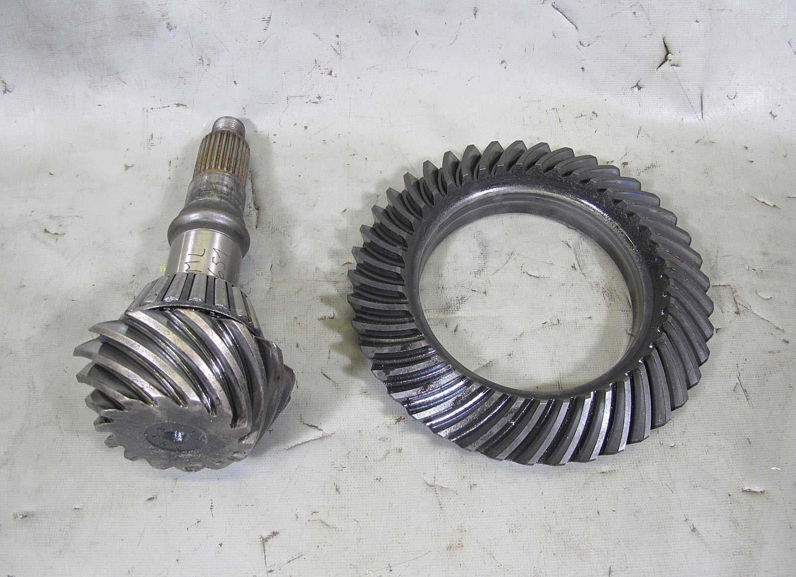 bmw e36 differential 188mm ring and pinion gear set. Black Bedroom Furniture Sets. Home Design Ideas