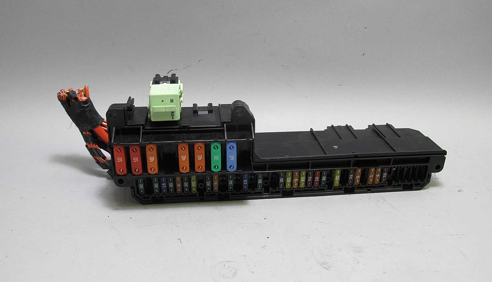 bmw e60 5 6 series e63 interior glove box front fuse box panel 2004 rh ebay com Old House Fuses Old 60 Amp Fuse Box