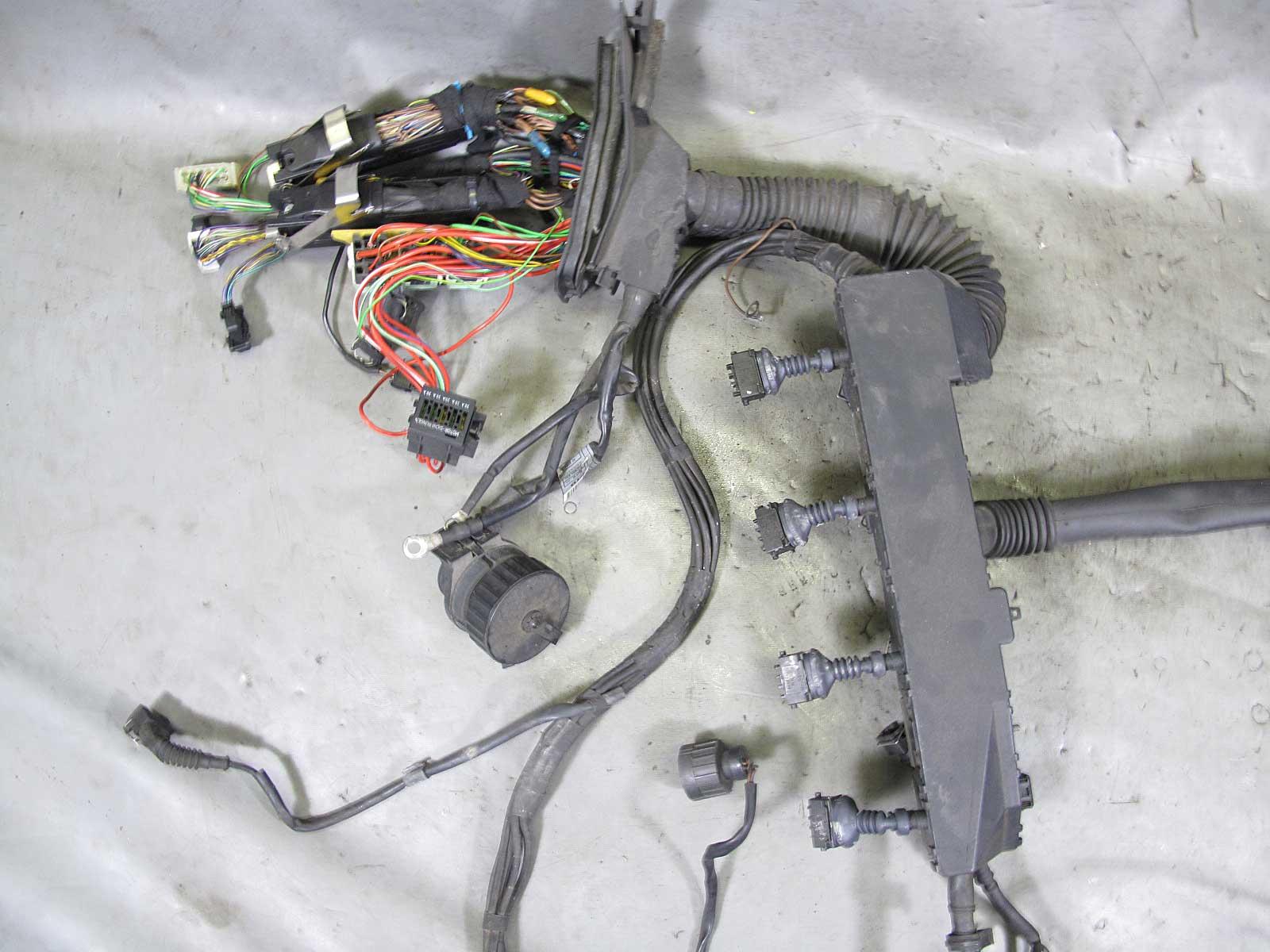 1996 1997 bmw e38 740i m62b44 v8 engine wiring harness complete used rh ebay com 1997 BMW 740iL 1998 BMW 740iL
