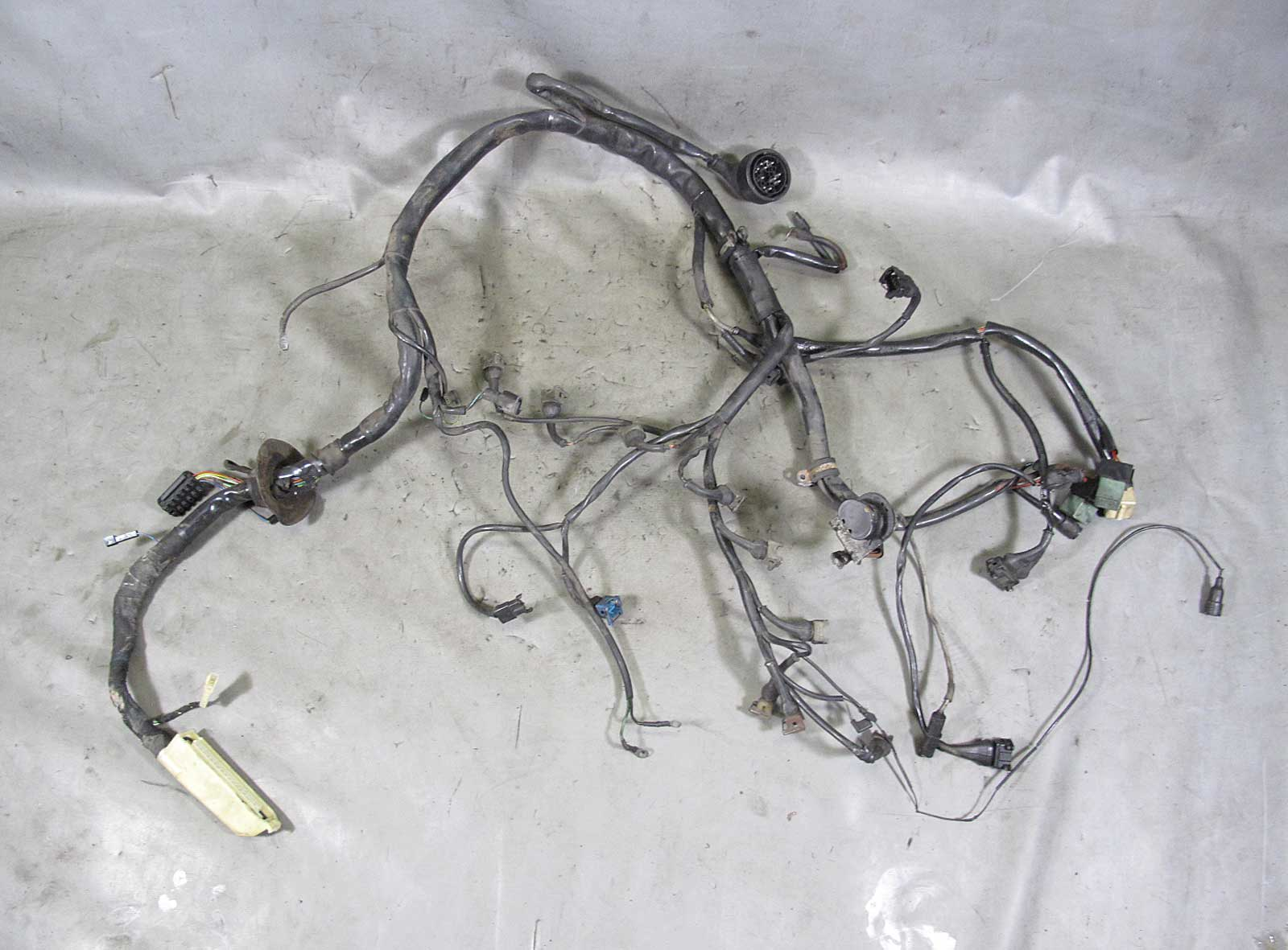 inv_013922 damaged 1986 1987 bmw e30 325e m20 eta engine wiring harness used bmw m20 wiring harness at crackthecode.co