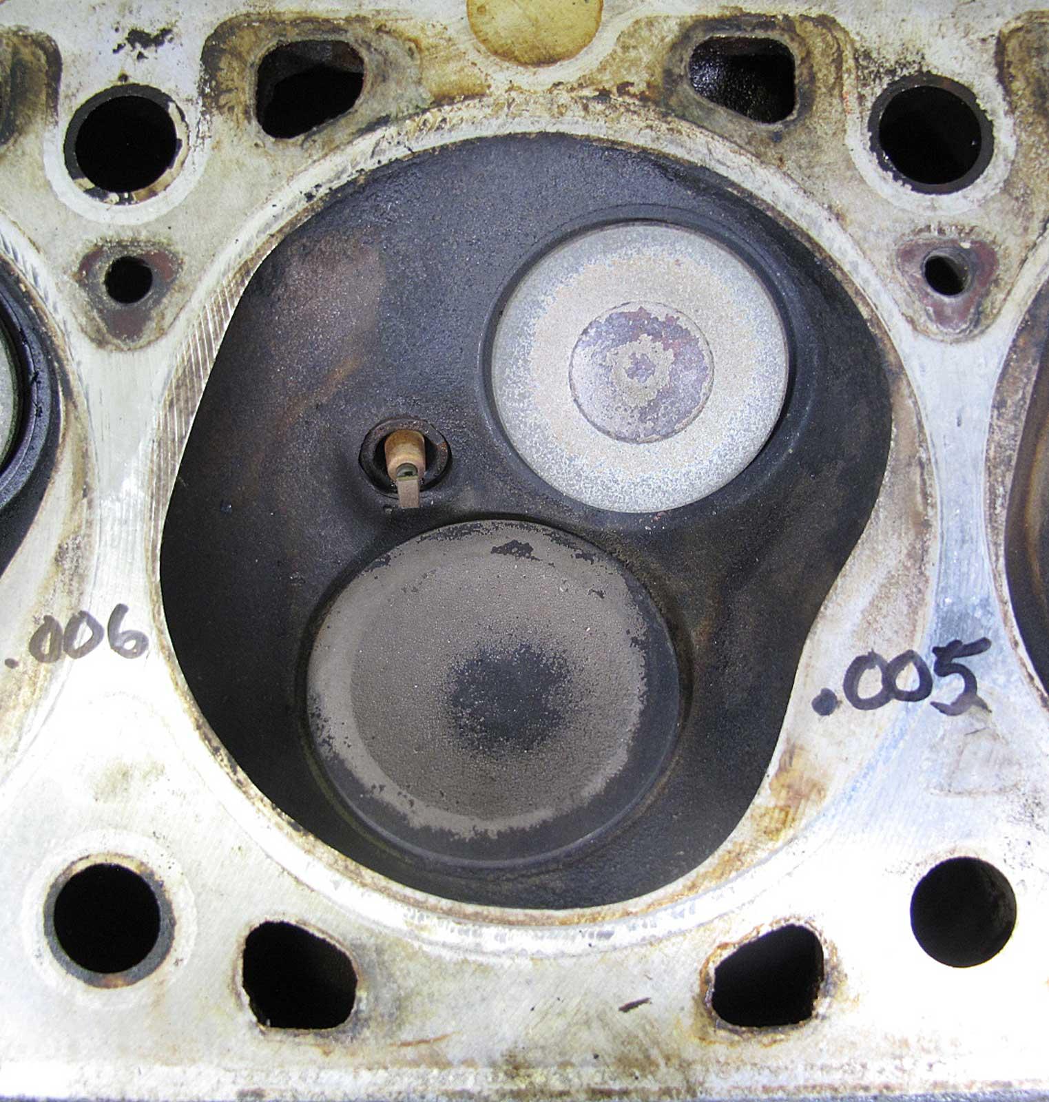 BMW M30 3.5L M30B35 6-Cyl Cylinder Head Assembly W