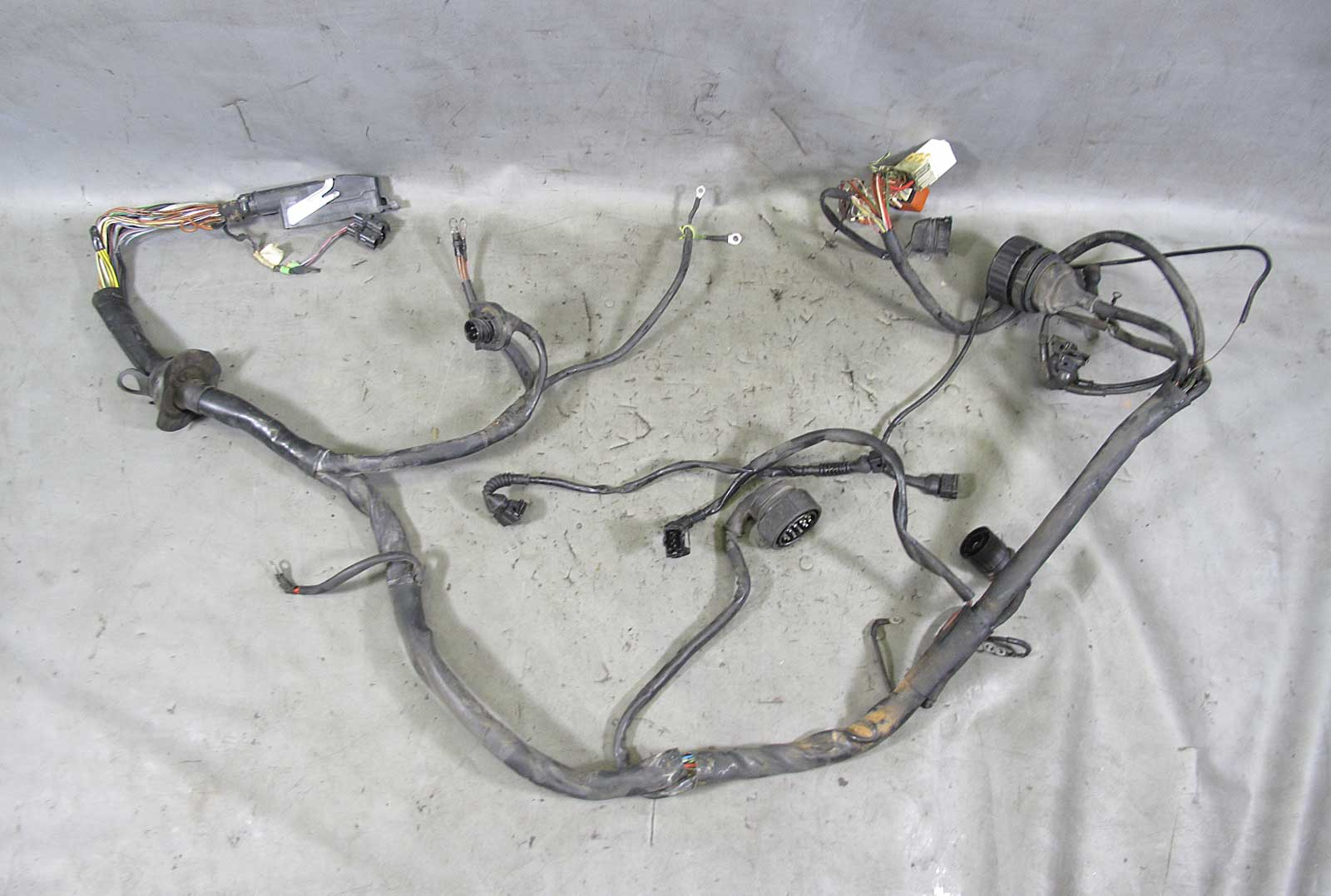 E30 Wiring Harness Cover : Bmw e i m cylinder engine wiring harness
