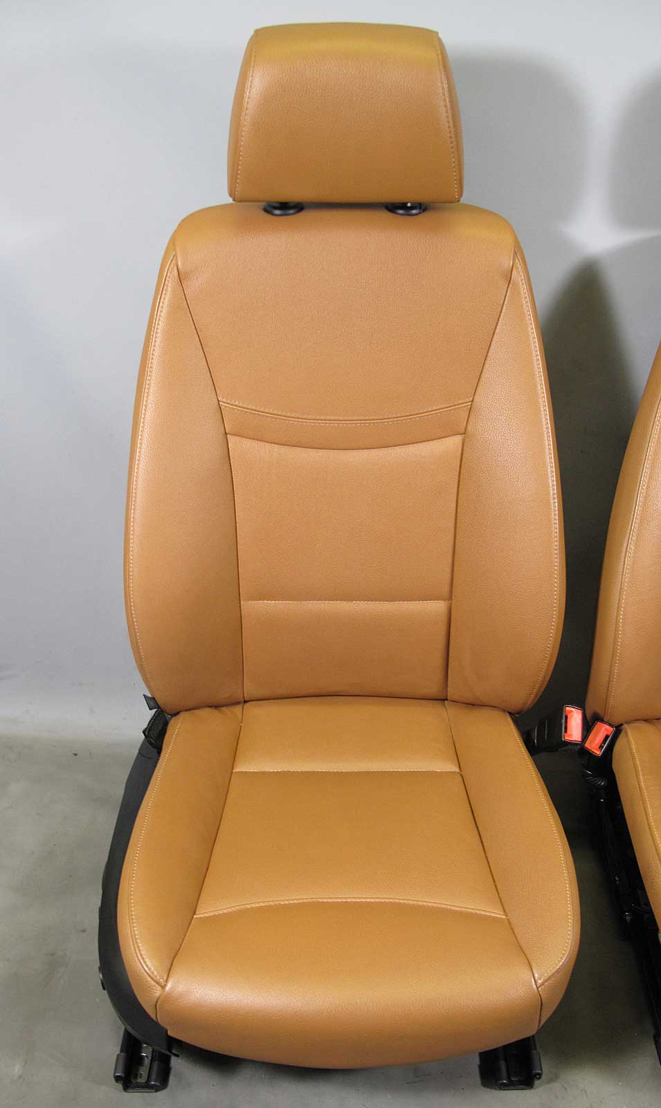 bmw e90 e91 3 series 4door factory front seat pair saddle. Black Bedroom Furniture Sets. Home Design Ideas